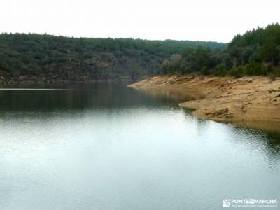 Casa del Bosque,Fortines Buitrago de Lozoya;grupos senderismo madrid gratis fotos de raquetas de nie